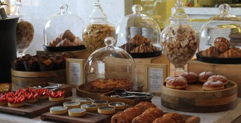 Bussola Colazione All'Italiana Easter Sunday