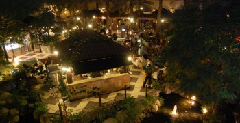 Meridien Village Terrace: Mediterranean Night